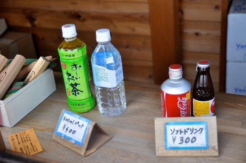 登山売店のペットボトル